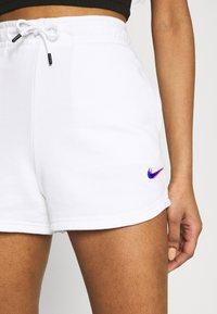 Nike Sportswear - Shorts - white - 3