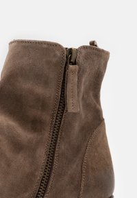 Cordwainer - Classic ankle boots - florence washed coco - 5