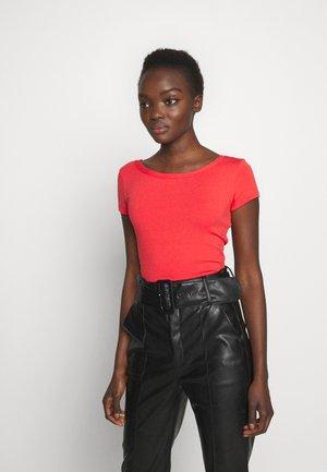 DANUBIO - Basic T-shirt - red