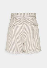 Vero Moda Tall - VMEVA PAPERBAG  - Shorts - snow white/silver mink - 1
