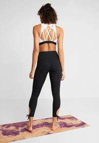 Nike Performance - COLLECTION - Leggings - black/white - 2