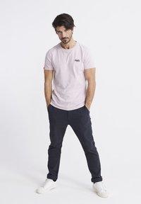 Superdry - VINTAGE CREW - Basic T-shirt - chalk pink - 1