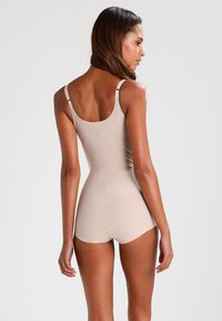 Maidenform - SLEEK SMOOTHERS - Body - paris nude - 2