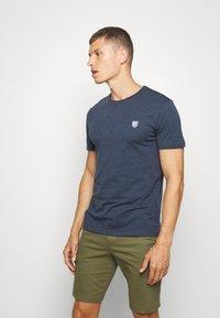 Pier One - Basic T-shirt - dark blue - 0