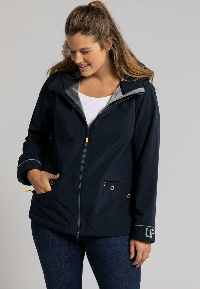 Ulla Popken - Soft shell jacket - marine