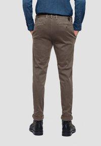 Replay - ZEUMAR HYPERFLEX  - Slim fit jeans - brown - 1