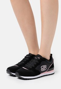 Skechers Sport - Trainers - black/pink - 0