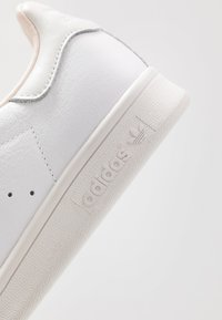 adidas Originals - STAN SMITH - Joggesko - footwear white/crystal white - 8