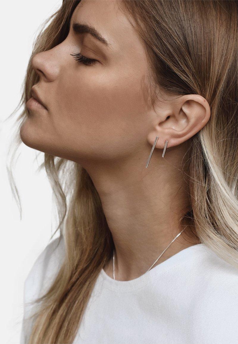 No More - FRENCH COUPLE EARRINGS - Earrings - silver