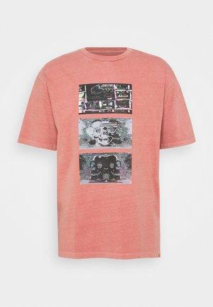 ANIMOSCILLATOR - Print T-shirt - desert sand