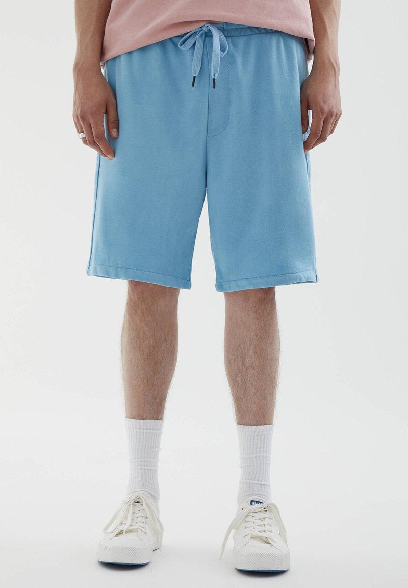 PULL&BEAR - Shorts - light blue