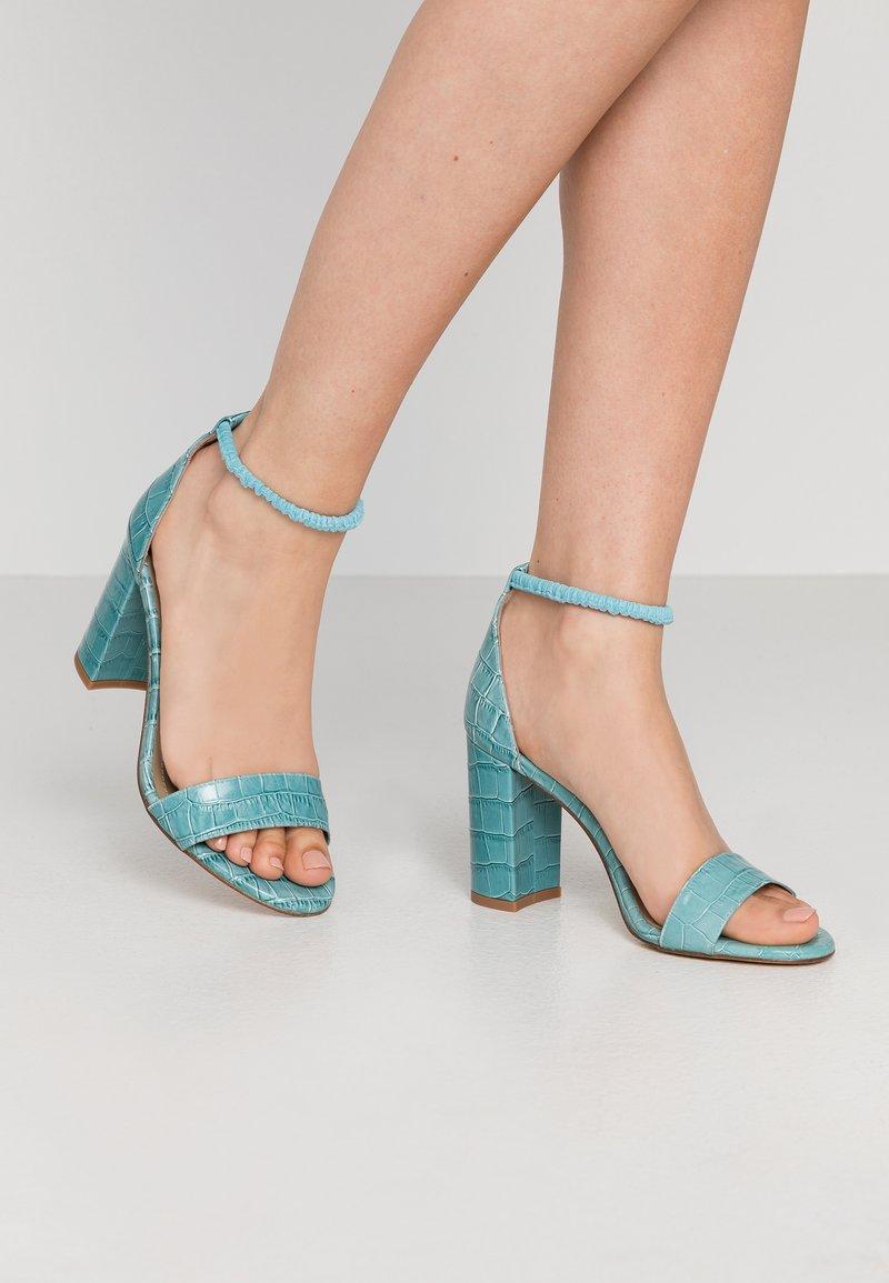Toral - Korolliset sandaalit - flavio turquesa