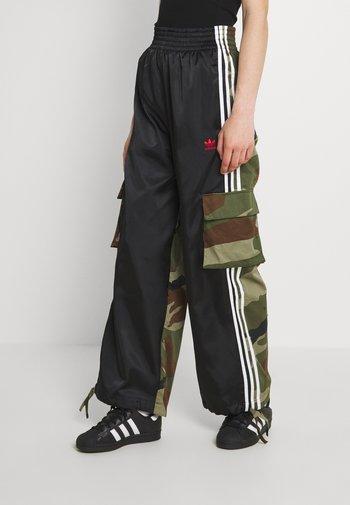CARGO PANTS - Pantalon cargo - black
