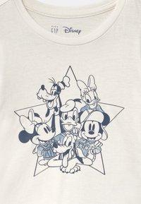 GAP - TODDLER GIRL DISNEY MICKEY MOUSE & FRIENDS CLUB - Langærmede T-shirts - white - 2