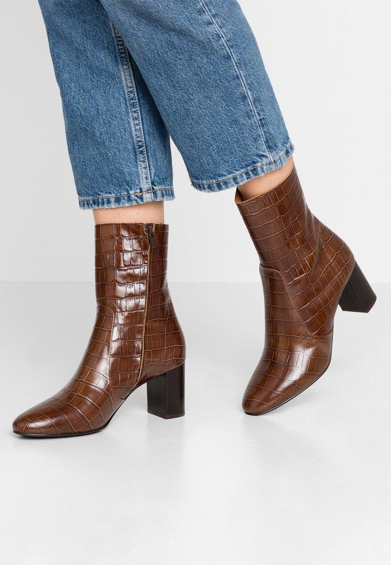 Jonak - DIDLANEO - Classic ankle boots - cognac