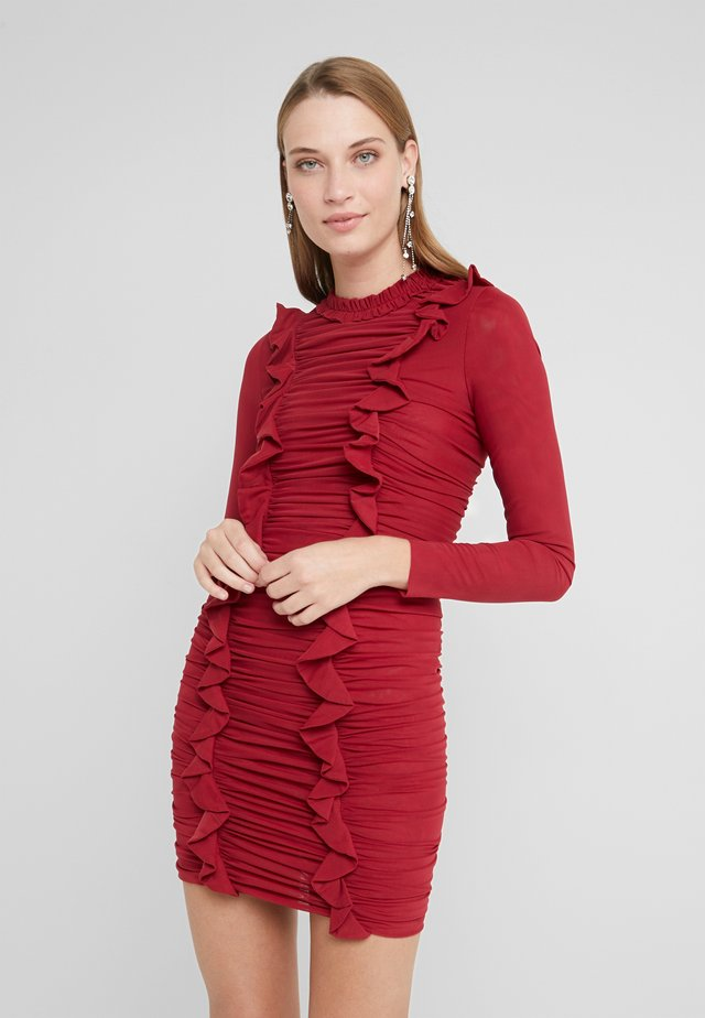 RUFFLE MINI DRESS - Vestido de tubo - deep red
