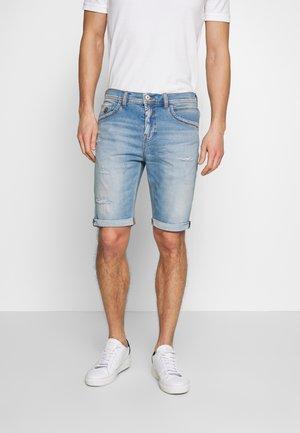 LANCE - Jeans Shorts - agustin wash