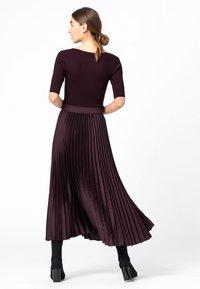 HALLHUBER - Pleated skirt - burgunder - 2
