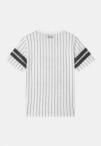Fila - JUNIAS STRIPPED  - Camiseta estampada - bright white - 1