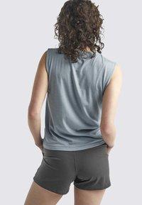 Icebreaker - Print T-shirt - gravel - 2