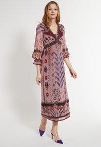 Ana Alcazar - Maxi dress - rosa - 0