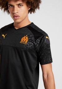 Puma - OLYMPIQUE MARSEILLE - Club wear - puma black/orange popsicle - 3