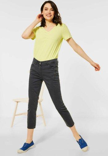 MIT ZIPPER - Slim fit jeans - grau