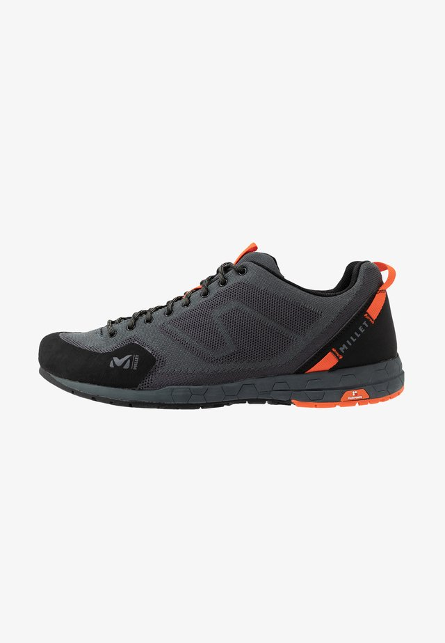 AMURI - Chaussures à scratch - urban chic