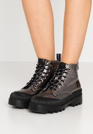 TREKKA BRUSH LOGO HIKER - Ankelboots - dark metal