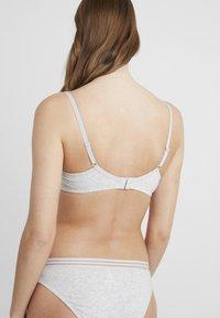 Pour Moi - TWIST PADDED - T-shirt bra - grey marl - 2