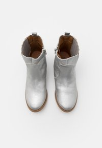 Cotton On - WESTERN BOOT - Cowboy- / bikerstøvlette - silver - 3