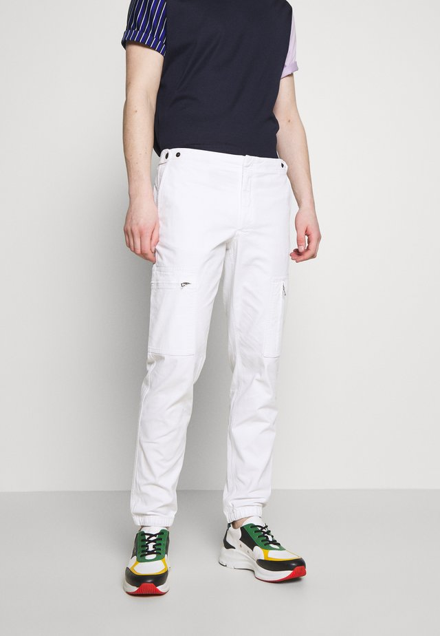 MENS FLIGHT PANTS - Cargo trousers - off white