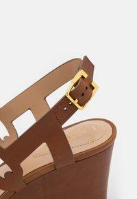 Lauren Ralph Lauren - AMILEA - Wedge sandals - deep saddle tan - 6