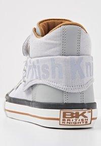 British Knights - Sneakers hoog - lt grey/cognac - 3