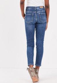 BONOBO Jeans - MIT KNÖPFEN - Slim fit jeans - stone blue denim - 2