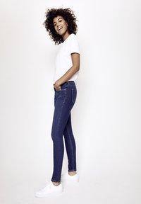 Five Fellas - GRACIA - Slim fit jeans - blau - 3