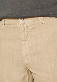 120% Lino - Shorts - cookie - 4