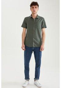 DeFacto - Shirt - khaki - 1