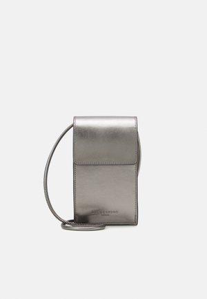 MOBILE POUCH - Across body bag - warm metallic grey