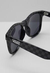 Vans - SPICOLI 4 SHADES - Okulary przeciwsłoneczne - black/charcoal - 2