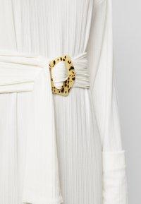 EDITED - SAIGE DRESS - Sukienka dzianinowa - creme - 5