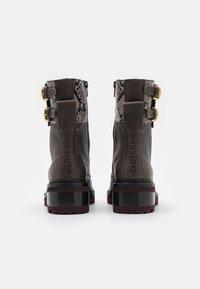 See by Chloé - MALLORY LACE UP - Šněrovací kotníkové boty - medium brown - 3
