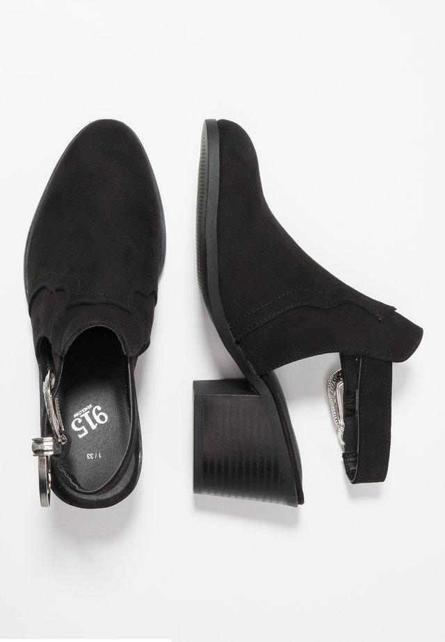 TANIA - WESTERN - Kotníkové boty - black