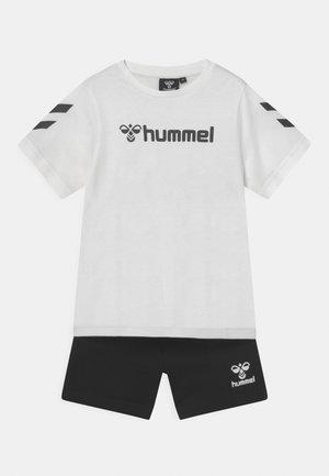 NOVET SET UNISEX - Camiseta estampada - marshmellow