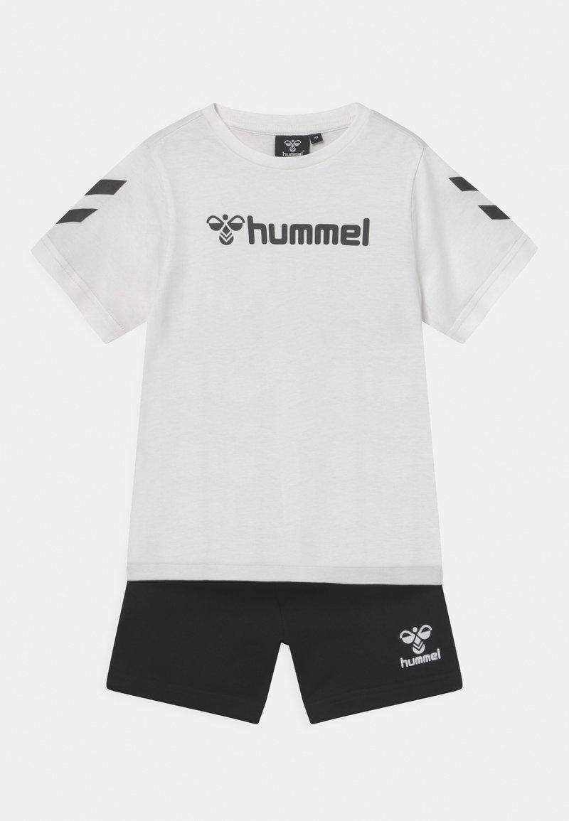 Hummel - NOVET SET UNISEX - Print T-shirt - marshmellow
