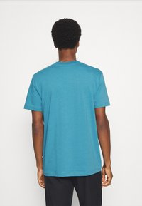 Selected Homme - SLHRELAXCOLMAN O NECK TEE - Basic T-shirt - bluejay - 2