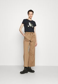 Barbour - ROWEN TEE - T-shirt con stampa - navy - 1
