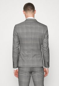 Lindbergh - DOUBLE BREASTED CHECK SUIT - Suit - brown - 3