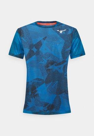 AERO TEE - T-shirt z nadrukiem - mykonos blue