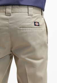 Dickies - 872 SLIM FIT WORK PANT - Pantalones chinos - beige - 5